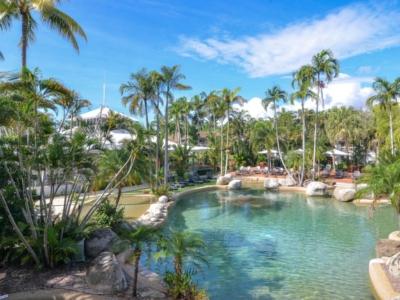 69 Reef Resort